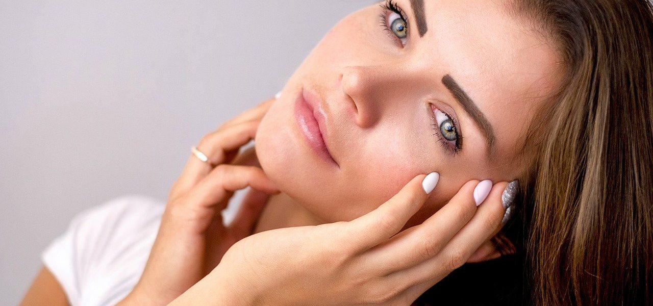Kosmetyki, które musisz mieć w swojej kosmetyczce – pielęgnacja na 100%!